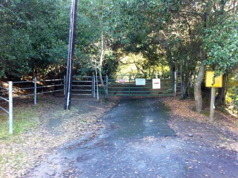 Entry gate to barn hike